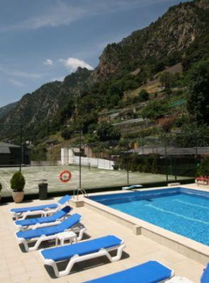 hotel-pyrenees-SLL_1_153p.jpg